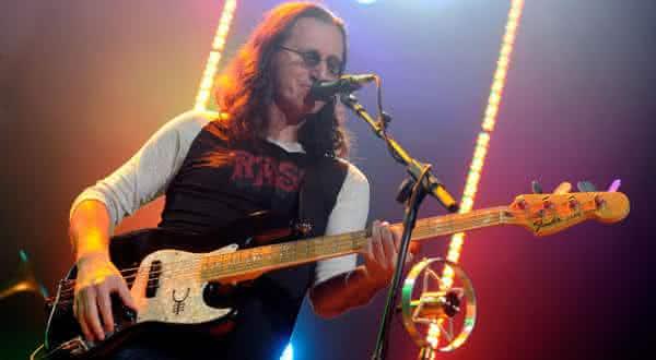 Geddy Lee entre os melhores baixistas do mundo