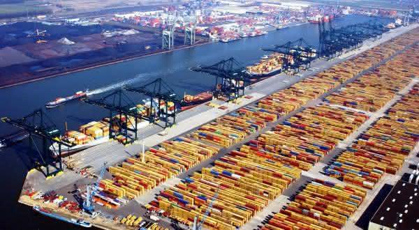 Rotterdam entre os maiores portos do mundo