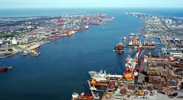 Tianjin entre os maiores portos do mundo