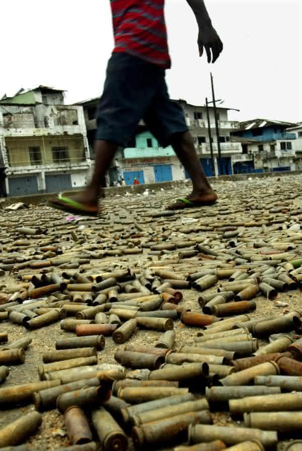 guerra sob os pes entre as fotos que mais chocaram o mundo