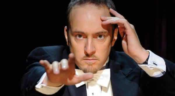 Derren Brown entre os  magicos mais populares do mundo