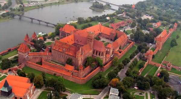 Malbork entre os maiores castelos do mundo