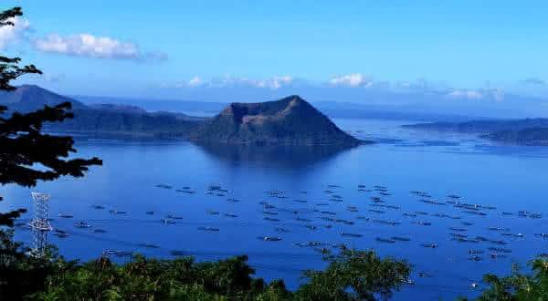 Taal Volcano Philippines entre os vulcoes ativos mais perigosos do mundo