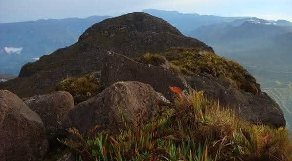 pico 31 de marco entre os montes mais altos do brasil