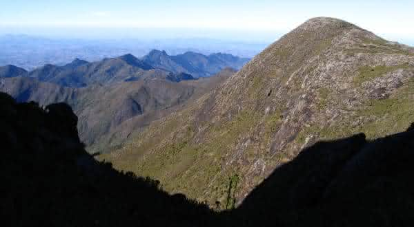 pico do calcado entre os picos mais altos do brasil