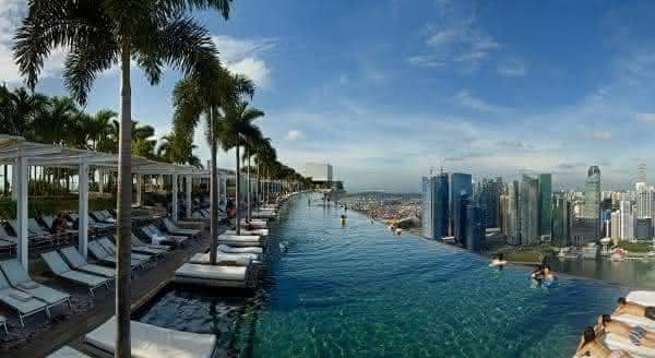 piscina marina bay sands entre os edificios mais caros do mundo
