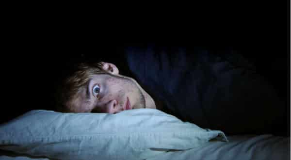 pensa muito entre as razoes pelas quais não consegue dormir