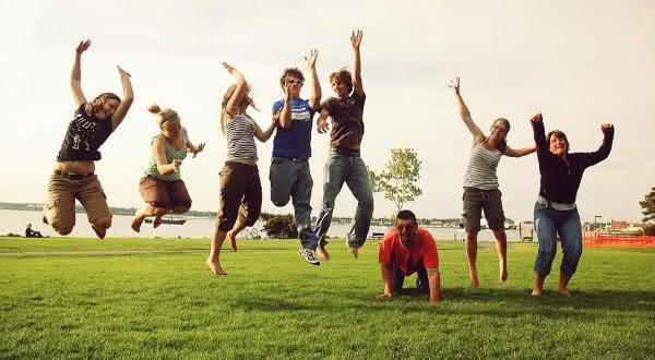 se todo mundo pular ao mesmo tempo