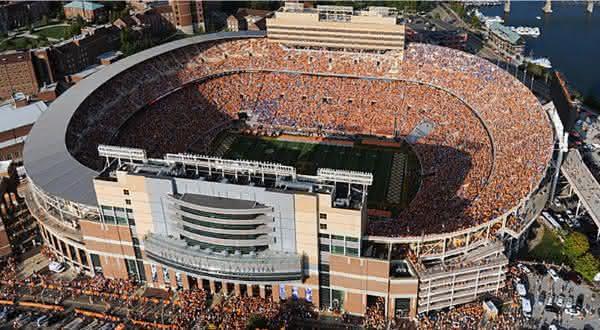 Neyland Stadium entre os maiores estadios do mundo