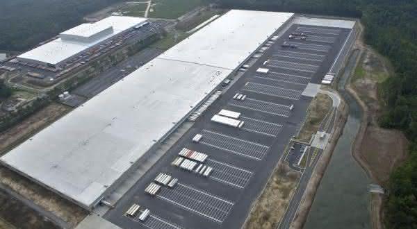 Target Import Warehouse entre as maiores fabricas do mundo