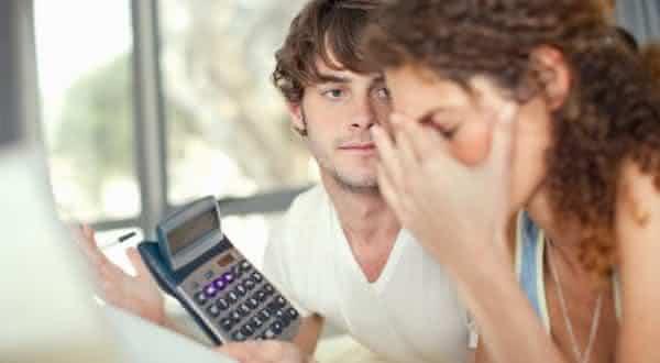 vida financeira entre as razoes pelas quais os casamentos fracassam