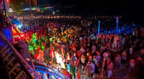The Full Moon Party  entre as festas mais populares do mundo