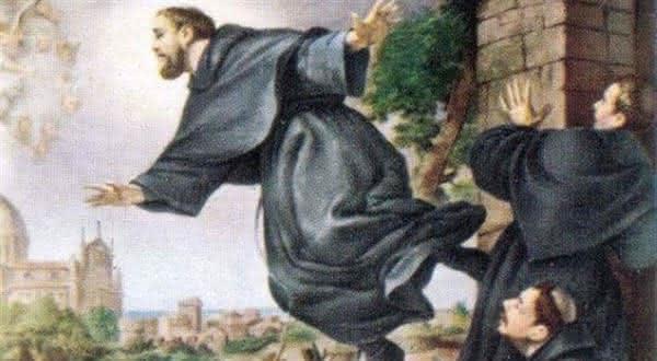 padre levita entre os chocantes milagres religiosos nunca explicados