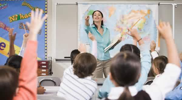 suica entre os paises com maiores salarios de professores no mundo