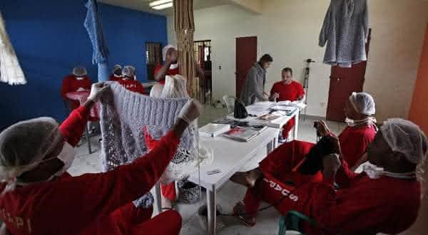 tricotar entre as maneiras de sair da prisao legalmente