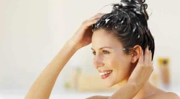 cabelo entre os mitos e equivocos relacionado a acne