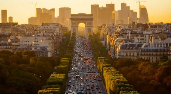 Champs-Elysees entre as ruas mais famosas do mundo