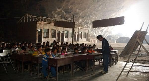 caverna entre as estranhas escolas que voce nao vai acreditar que existem