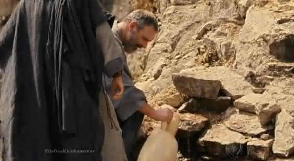agua na rocha entre explicacoes alternativas para alguns milagres biblicos