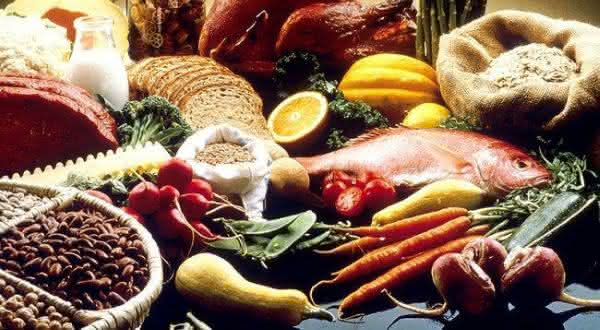 aminoacidos entre as maneiras de aumentar naturalmente os seios