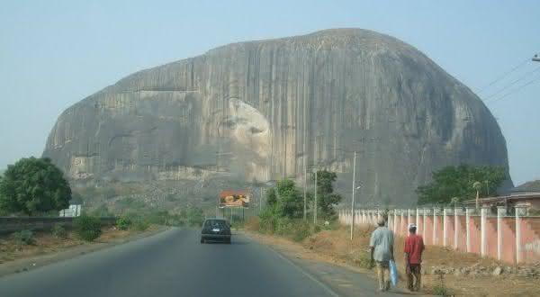 zuma entre as maiores rochas do mundo