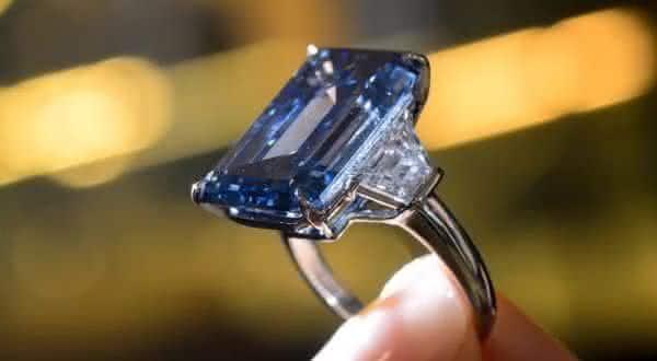 Blue Diamond entre os anéis mais caros já feitos