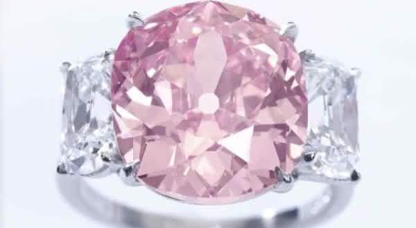 The Vivid Pink entre os anéis mais caros já feitos