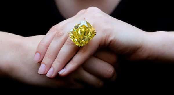 The Vivid Yellow entre os aneis mais caros ja feitos