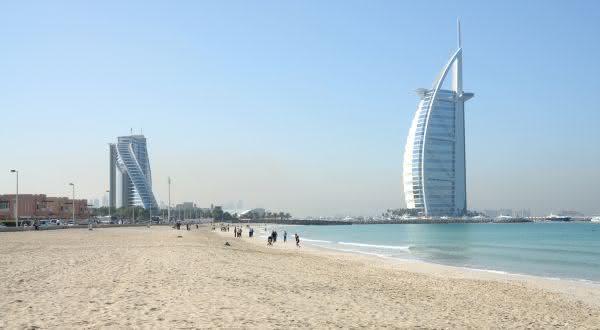 Jumeirah Beach  entre as praias urbanas mais bonitas do mundo