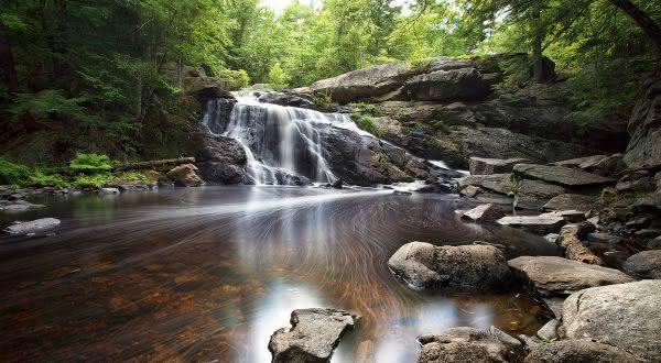 Purgatory Falls supostas marcas deixadas pelo diabo na Terra
