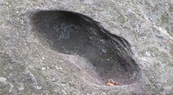 The Devils Footprint supostas marcas deixadas pelo diabo na Terra 2