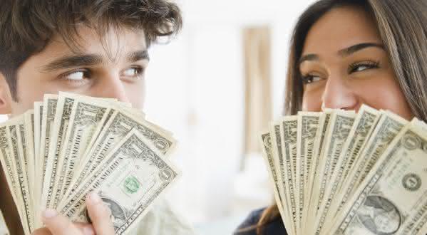 financeiro entre as vantagens de ficar solteiro sempre