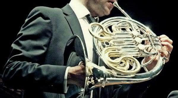 trompa entre os instrumentos musicais mais difíceis de aprender a tocar