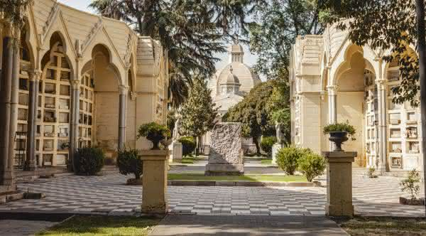 Top 10 cemitérios mais bonitos do mundo 3