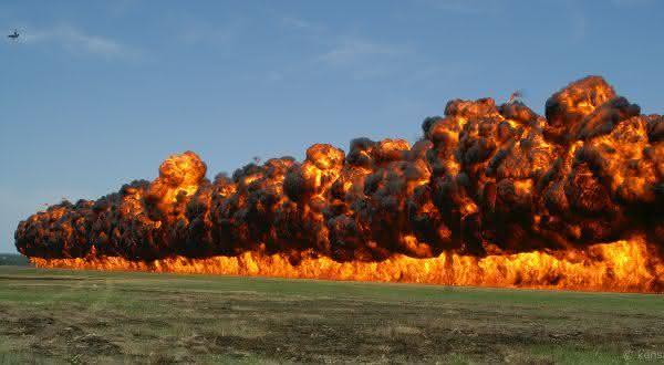 bomba napalm entre as armas de destruição em massa mais perigosas