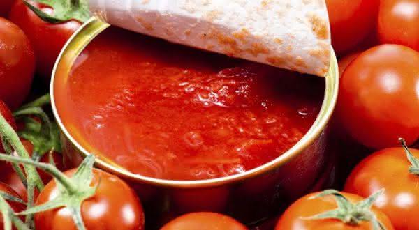 tomates enlatados  entre os alimentos que você não vai acreditar que causam cancêr