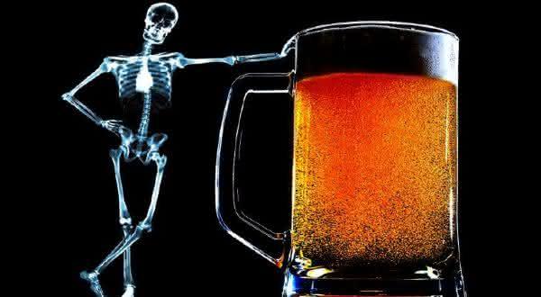 ossos entre as razoes pelas quais voce deve beber mais cerveja