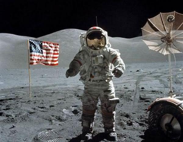 pano de fundo ntre as razoes pelas quais a chegada do homem a lua e falsa