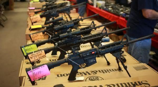 estados unidos entre os paises mais faceis de comprar uma arma de fogo