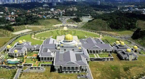 Istana Nurul Iman entre os maiores palacios do mundo