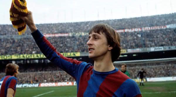 Johan Cruyff entre os maiores meia-atacantes da historia do futebol