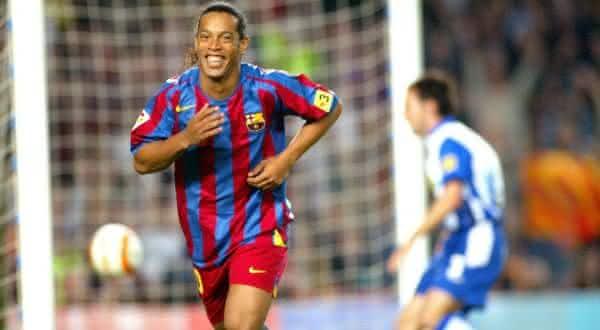 Ronaldinho entre os maiores meia-atacantes da historia do futebol