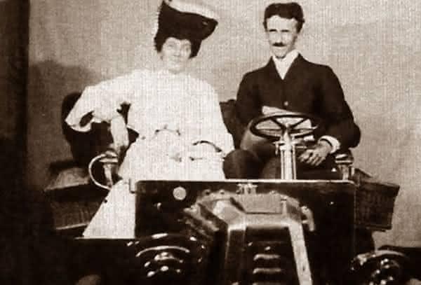 medo de casar entre as historias tragicas sobre a loucura de Nikola Tesla