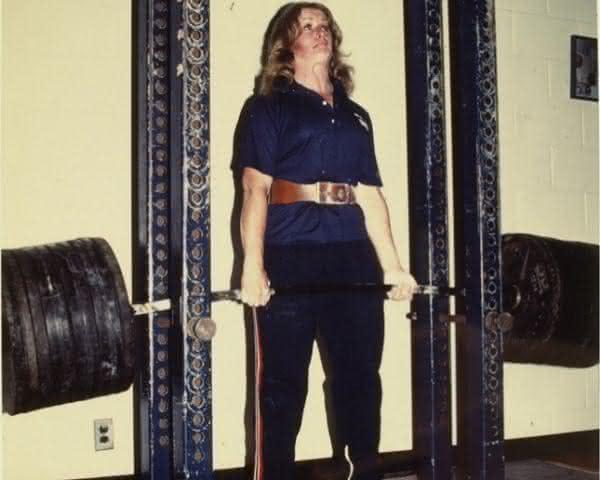 Jan Todd entre as mulheres mais fortes do mundo