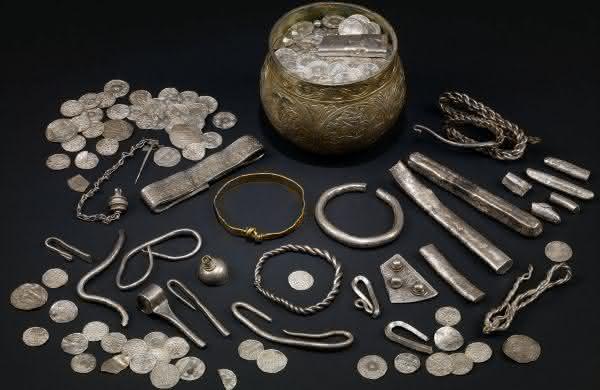 tesouro Viking entre os maiores tesouros escondidos ja encontrados no mundo