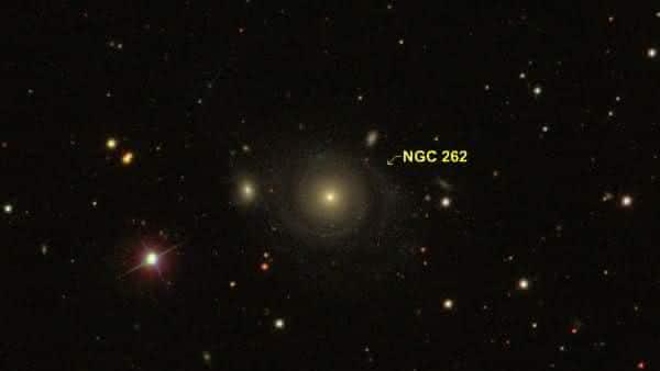 NGC 262 entre as maiores galaxias do universo