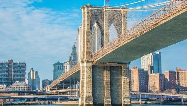 Ponte do Brooklyn entre as pontes mais famosas do mundo