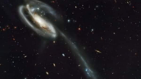 UGC 2885 entre as maiores galaxias do universo