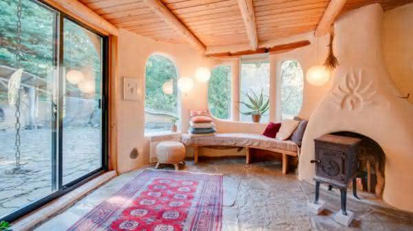 Unique Cob Cottage 2 entre os airbnb mais populares do mundo