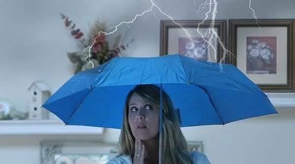 abrir guarda chuva dentro entre as supersticoes mais populares em todo o mundo